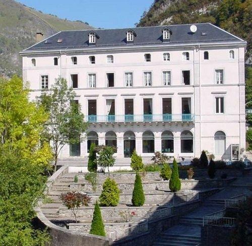 La station thermale les eaux chaudes dans les pyr n es - Office de tourisme pyrenees atlantiques ...