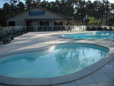 Studio dans la station thermale de casteljaloux for Casteljaloux piscine