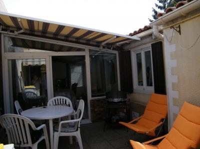 petite maison rochefort 400 m tres des thermes adv0211663. Black Bedroom Furniture Sets. Home Design Ideas