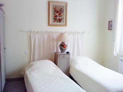 studio 6mns des thermes de rochefort adv0411668. Black Bedroom Furniture Sets. Home Design Ideas