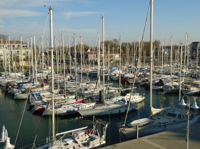 Location 100 m tres de votre cure thermale au port de plaisance de rochefort adv0601825 - Port de plaisance de rochefort ...