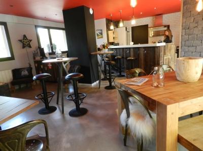 studio 100 m tres des thermes de thonon les bains. Black Bedroom Furniture Sets. Home Design Ideas